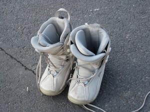 Chaussures de surf blanches - matériel de ski
