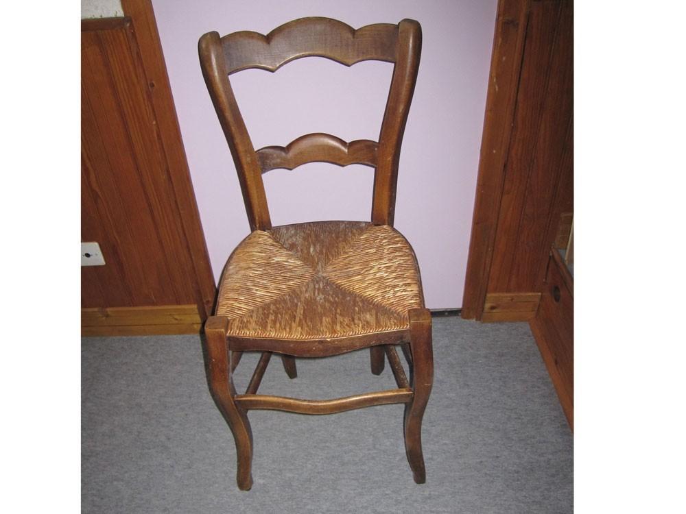 5 Chaises Anciennes Avec Assise En Paille