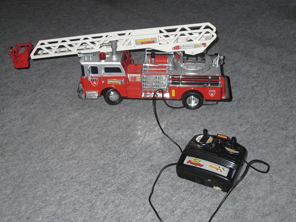 jeux jouets  camion de pompier telecommande
