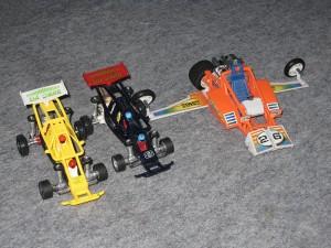 3 voitures de course