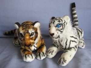 Duo de peluches : Messieurs les tigres