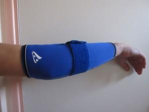 Manche de soutien musculaire pour biceps droit