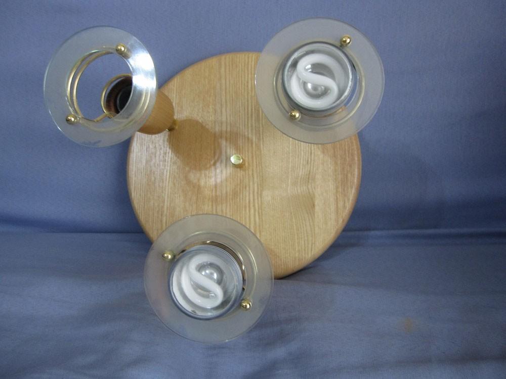 Plafonnier en bois clair avec 3 spots orientables le for Plafonnier bois