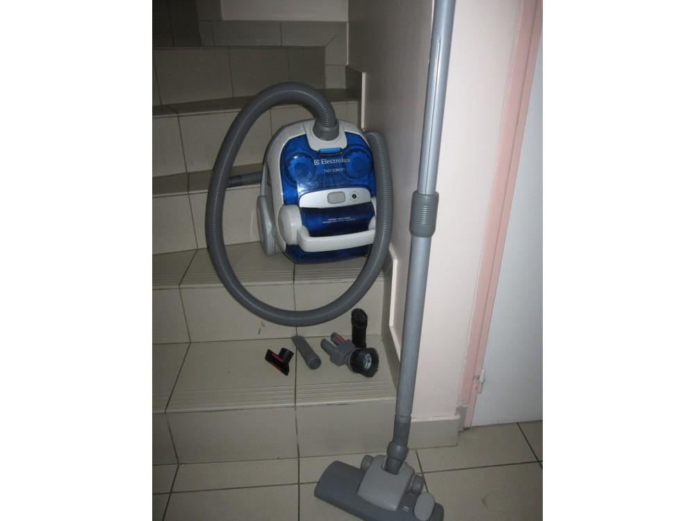 Aspirateur electrolux twinclean le grenier de v ronique for Aspirateur de table electrolux